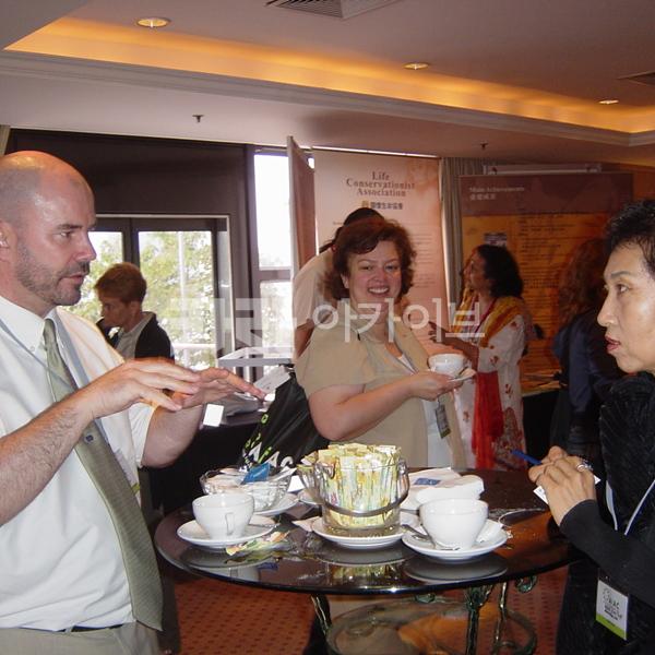 [2005.06.20] 싱가폴 동물보호 국제컨퍼런스에서 '한국 내 개고기합법화 반대 결의안 채택'을 위한 해외협력 활동 전개